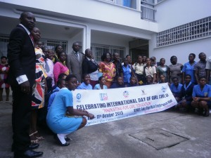 A family pic of participants, panellists and students from Buea municipality at the close of the workshop