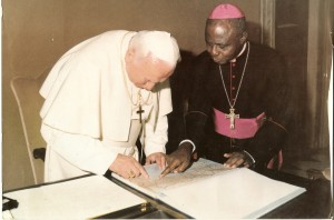 Bishop Pius Awa(R) in one of his meetings with Pope John Paul II. Today, they have all left the world
