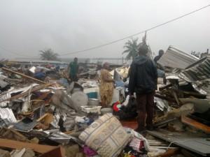 Douala: Maisons construites sur le site de la Magzi au quartier Diboum I sont détruites