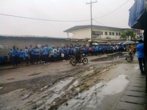Douala: Entrée des élèves en tenue au lycée de nylon Brazzaville