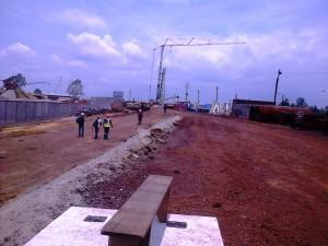 Le chantier de construction du 2e pont sur le Wouri désert
